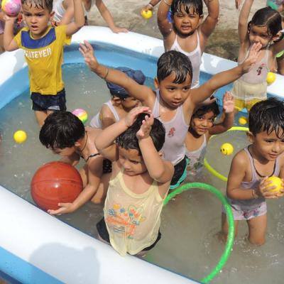 Picture Gallery - Kindergarten Splash Pool Activity